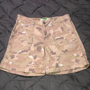 """Anthropology """"The Wanderer"""" Camo Shorts"""